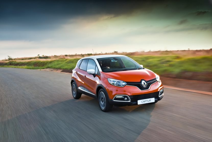 Go-for-A-Cruise-in-Renaults-Funky-Captur-Sunset-Limited-Edition-3
