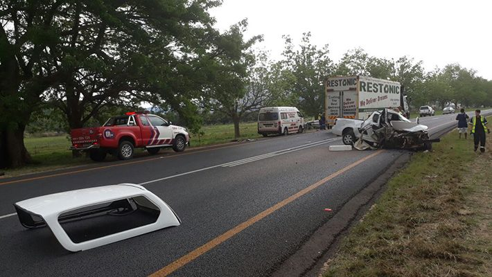 [NELSPRUIT] - Two bakkies collided head-on leaving one dead, three injured.
