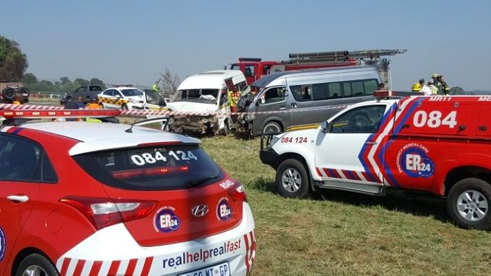 [TEDDERFIELD] - Two taxis collide leaving 25 injured.